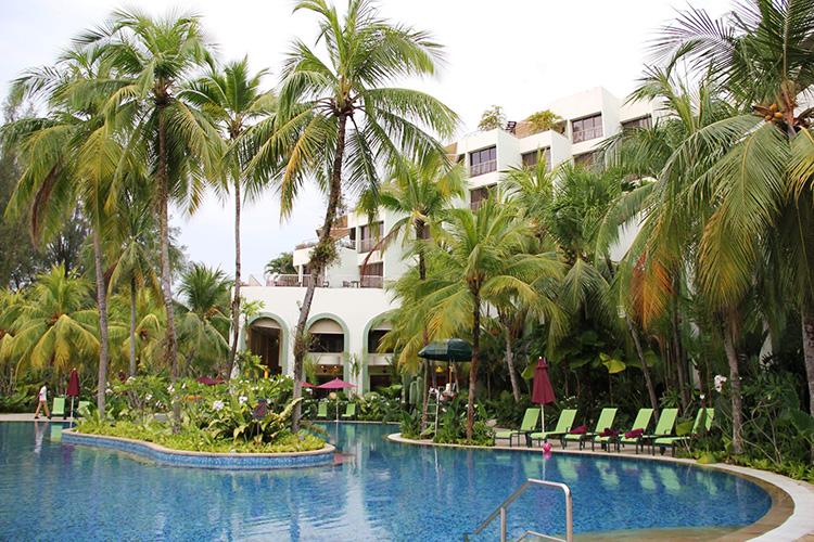 malaezia-hotel-piscina